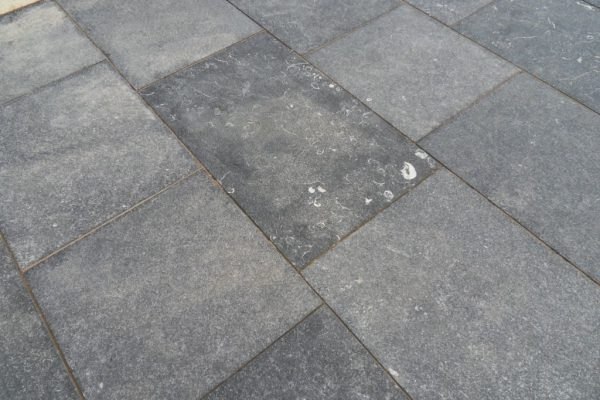 Kilkenny Flamed Limestone Paving-1746