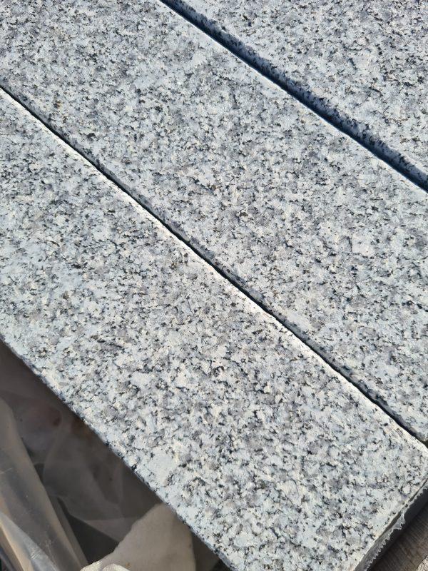 Flamed Grey Granite Kerb 200x100 1